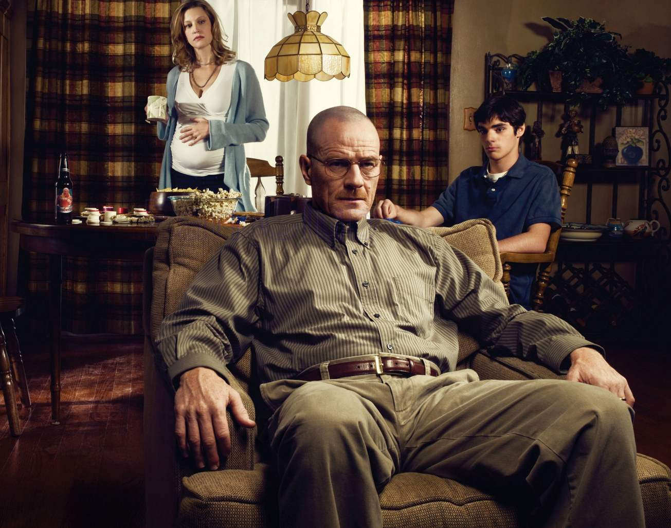 Schuyler White (Anna Gunn) apprehensively waits to see what husband Walter White (Bryan Cranston) will do next, as does son Walter, Jr. (R.J. Mitte) in Breaking Bad.