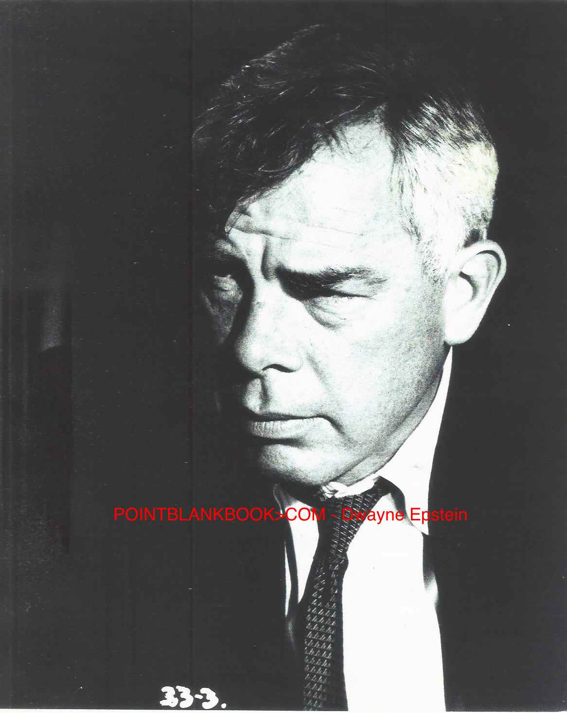 A disheveled Lee Marvin as ex-ballplayer Bill Tenney in director Stanley Kramer's SHIP OF FOOLS.